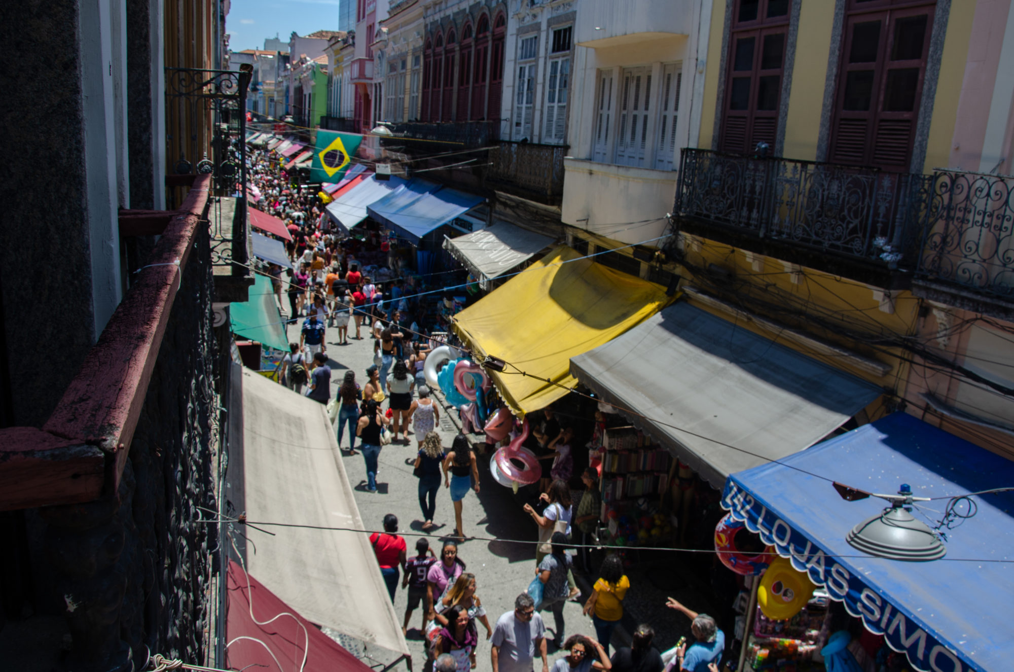 Saara is Rio's main shopping district for carnival costumes. (Image: Sarita Reed)